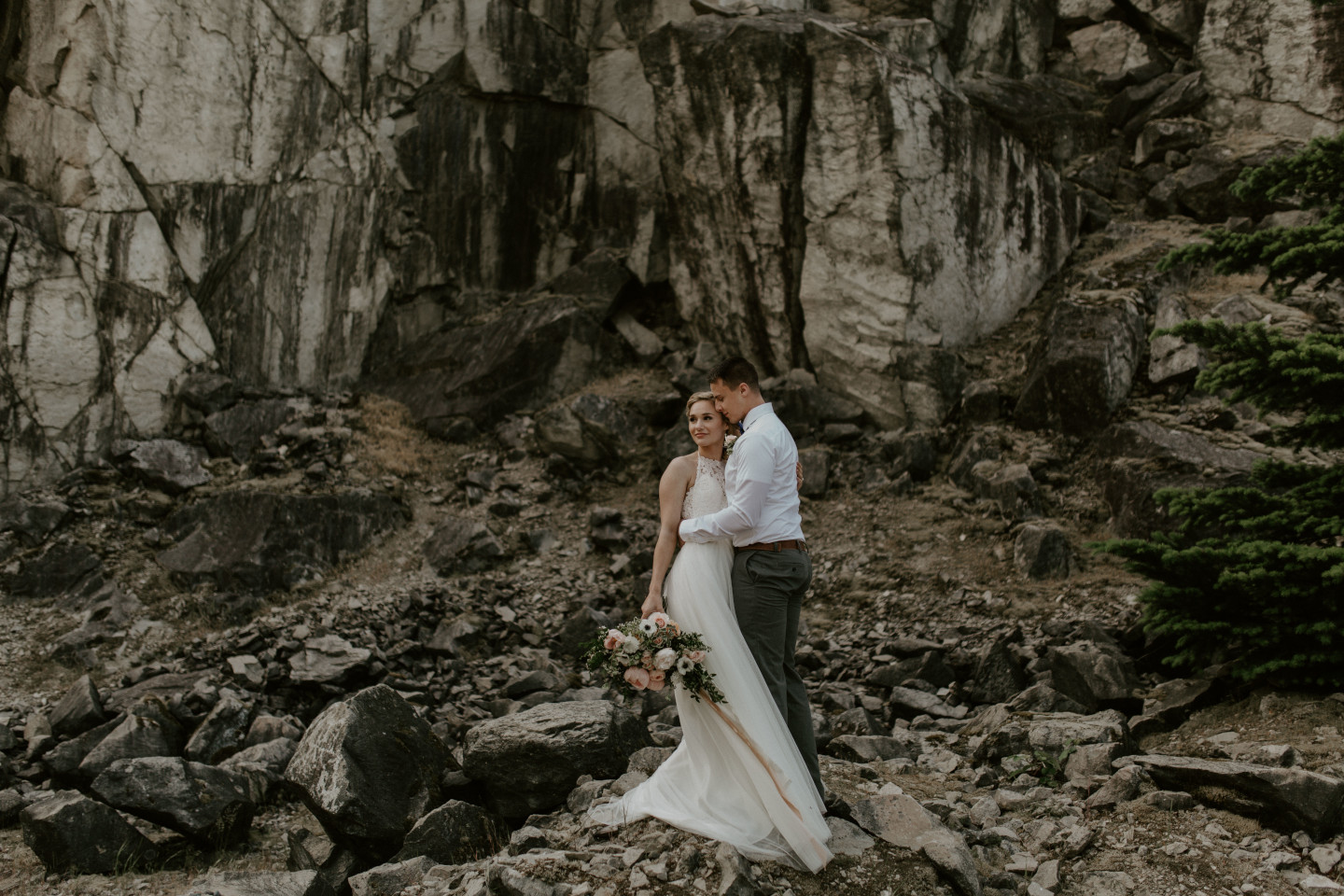 Harper and Trevor near the cliffs at the Columbia River Gorge, Oregon. Elopement photography in Portland Oregon by Sienna Plus Josh.