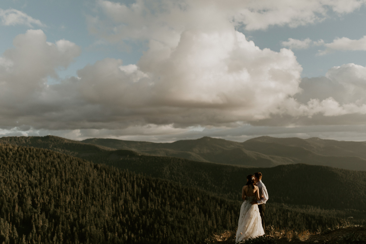 Ryan and Moira enjoy the view at Mount Hood. Adventure elopement wedding shoot by Sienna Plus Josh.