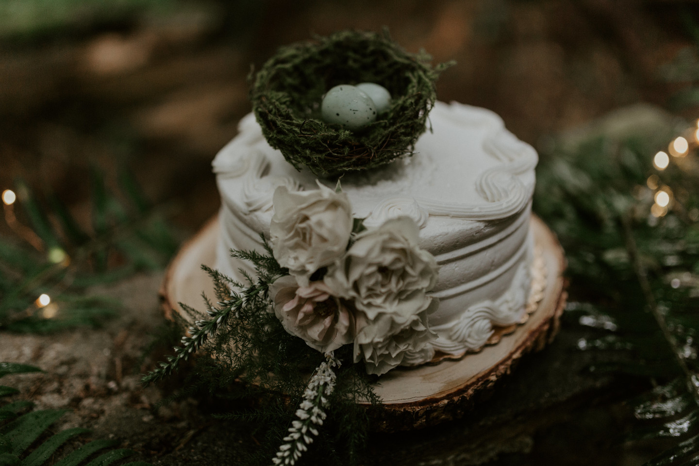 A close up of the wedding cake at Skamania House, Washington. Elopement photography in Portland Oregon by Sienna Plus Josh.