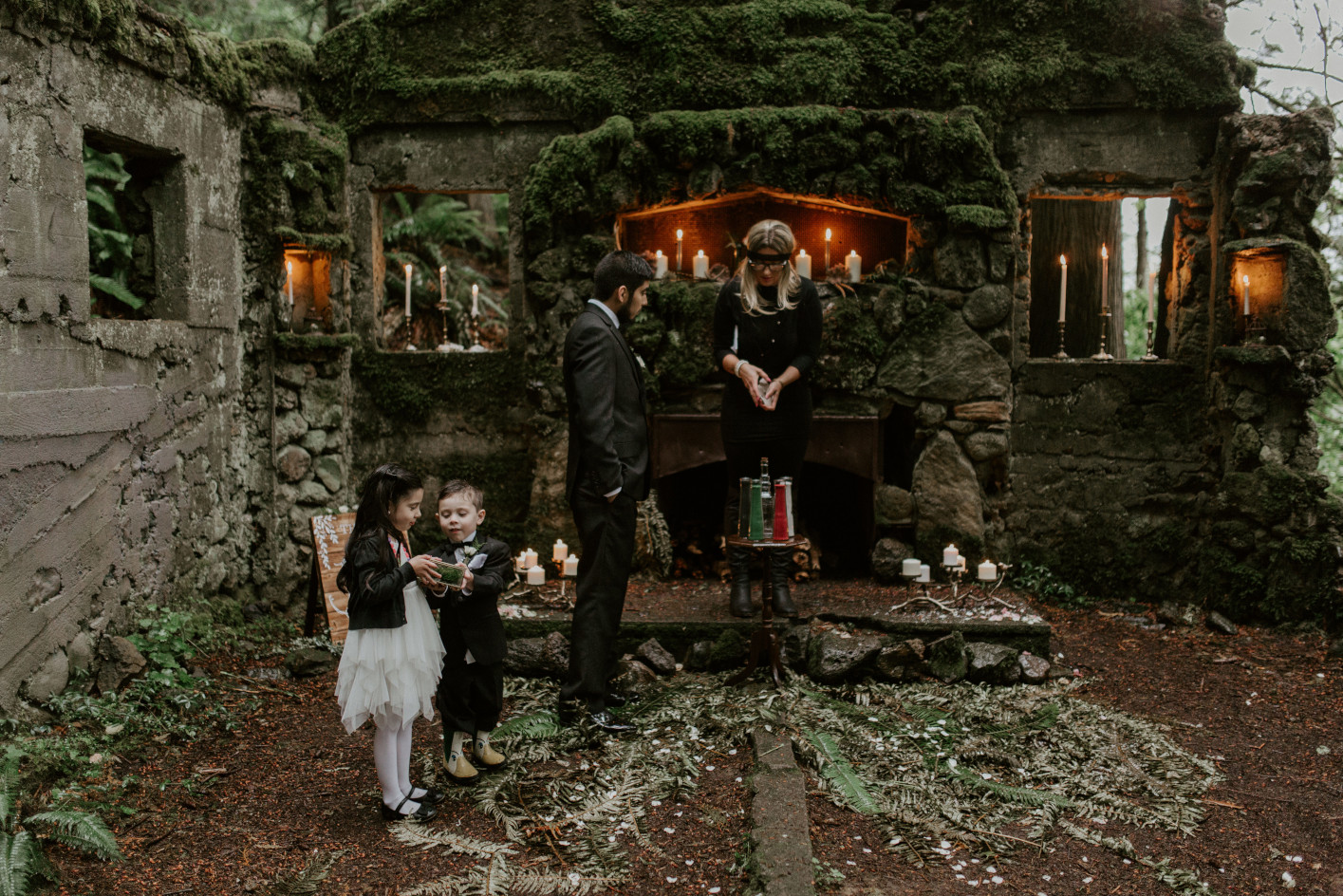 Sam and his children wait at the altar in Skamania, Washington. Elopement photography in Portland Oregon by Sienna Plus Josh.
